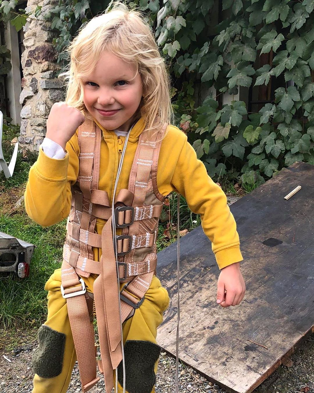 Stunt kids harness, vest for stunt rigging, flying, aerial perfomances, stuntmen